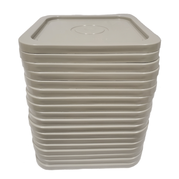 Gray easy on easy off snap tight lid. No gasket. Fits 4 gallon square buckets (Item: 4GB)