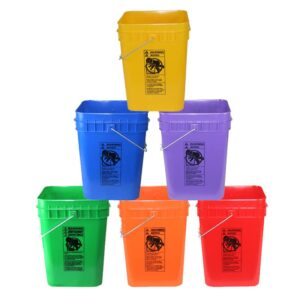 Plastic 4 gallon square bucket w/ wire bale handle with plastic roller grip