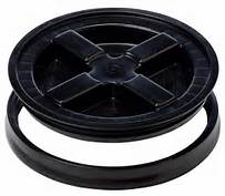 "Black plastic Gamma Seal Lid fits all standard 3.5 Gallon, 5 Gallon, 6 Gallon and 7 Gallon Pails or Buckets with a 12"" Diameter"